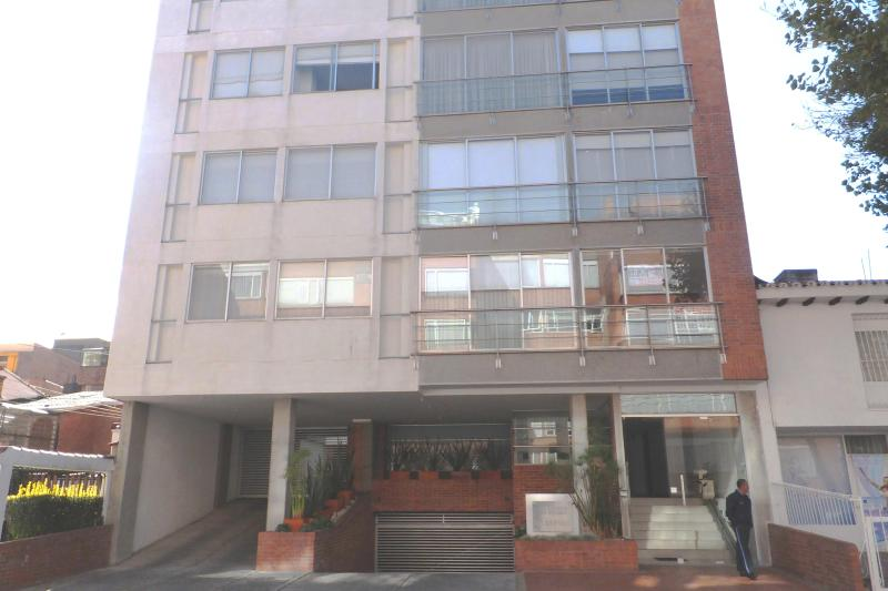 1 bedroom apt 1 block from Unicentro - Image 1 - Bogota - rentals