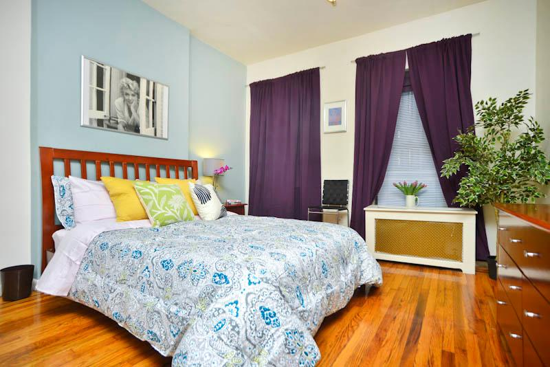 Queen size bed with wooden bed frame, 100% cotton bed linens, 2 windows facing back of building - - *Pizzazz* Upper East Side Studio Apartment-Great! - New York City - rentals