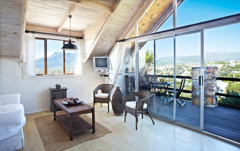 Light and bright open plan living room, with a view - Loft Suite - light and bright, with views - Noordhoek - rentals