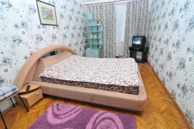 Good apartment in the very Center of Chisinau - Image 1 - Chisinau - rentals