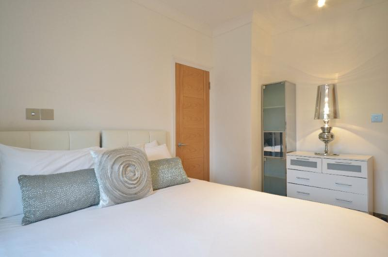 Charing Cross House - Image 1 - London - rentals