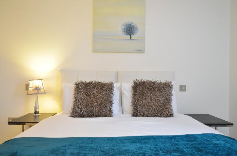 uberlondonapartments - bedroom - London Eye House - London - rentals