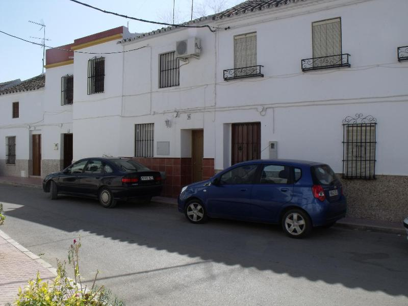 The house in a quite street. - Nice holidaytownhouse in the little village of Marinaleda - Estepa - rentals