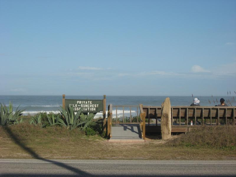 Private Beach Access. - Fabulous Ormond Beach House! Steps from the sand. - Ormond Beach - rentals