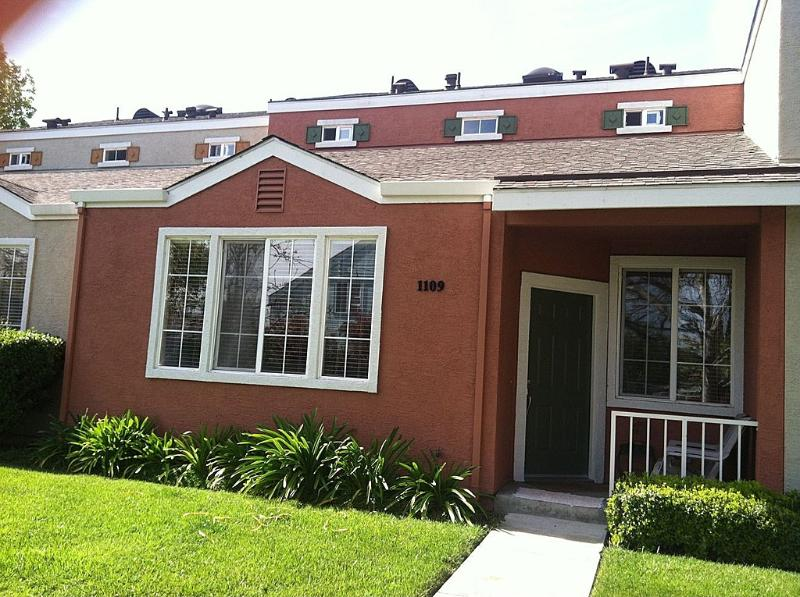 nice quite residential neighborhood - 2BR Townhouse in Downtown San Jose - San Jose - rentals