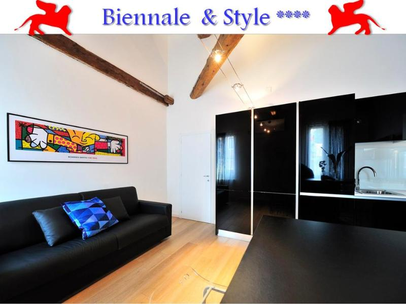Living-dining room - Biennale & Style,quiet Wifi 2 baths, close to Lido - Venice - rentals