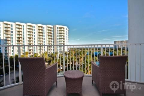 Palms of Destin #2513-2Br/2Ba  Summer's on the way!  Book your vacation with us! - Image 1 - Destin - rentals