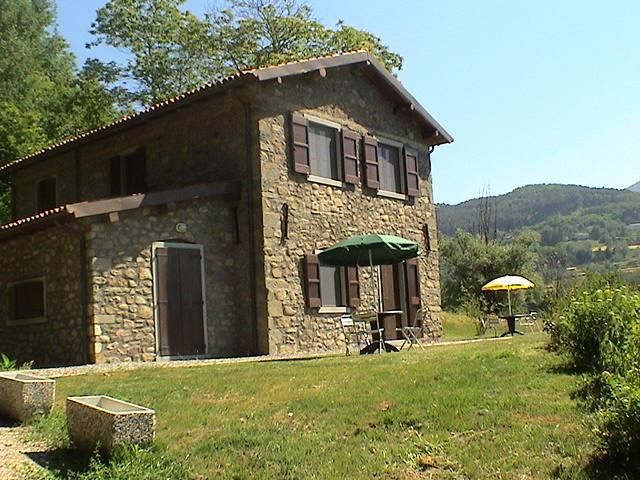 Eco-Friendly Tuscan Farmhouse with Horses C3 - Image 1 - Castiglione Di Garfagnana - rentals