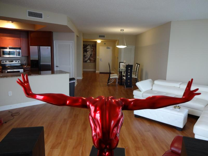 3 Bedroom Panorama Suite - 300 degree views! - Image 1 - Surfside - rentals