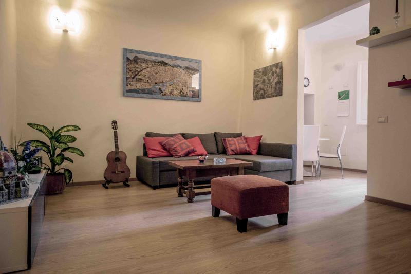 Newly Refurbished Flat! - Florence SM Novella - Image 1 - Florence - rentals