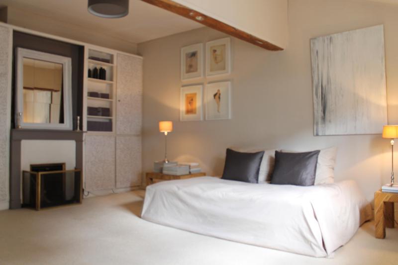 Charming apartment near Les Invalides in Paris. - Image 1 - Paris - rentals