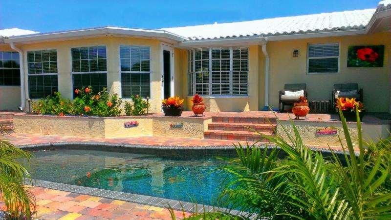 Pura Vida Oasis - Image 1 - Siesta Key - rentals