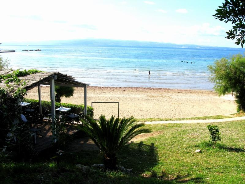 Studio Apartment on Bacvice beach in Villa Komod - Image 1 - Split - rentals