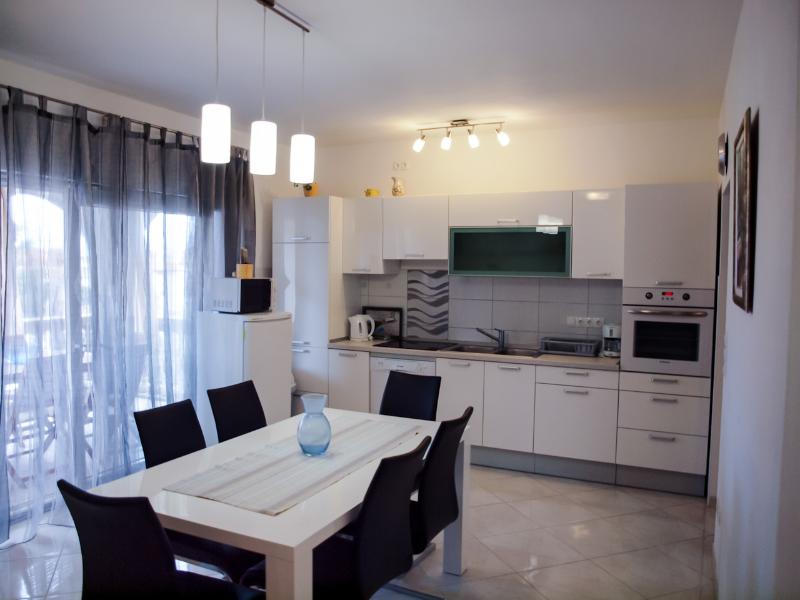 Kitchen and dining area in the Apartment Jelena in Srima, Vodice, Croatia - Apartment Jelena in Srima, Vodice, Croatia - Srima - rentals