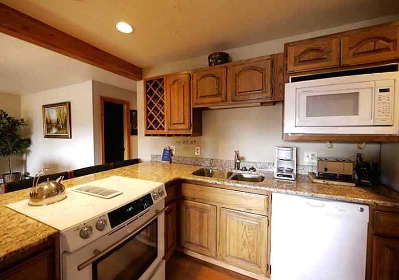 Fully Equipped kitchen - Luxury Condo Awesome Views Best Clubhouse Wifi - Silverthorne - rentals