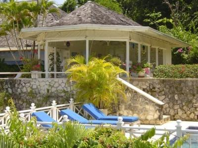 Stunning 4 Bedroom Villa with Private Pool in Round Hill - Image 1 - Hope Well - rentals
