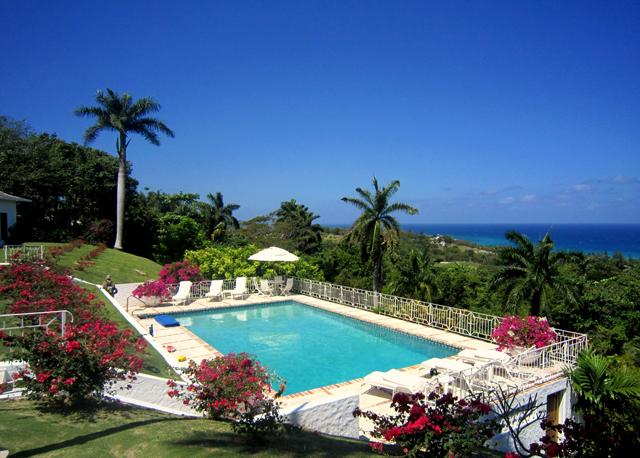 Ideal for Families, Large Pool, Chef & Housekeepers, Two Golf Carts, Resort Amenities - Image 1 - Montego Bay - rentals