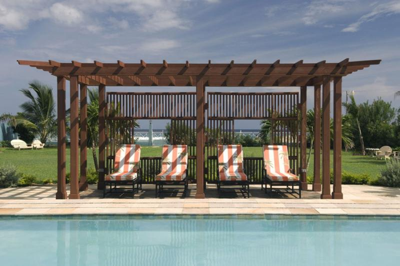One Mile of Sugary White Sand Beach, Cook & Butler, Sea Kayaks, Private Pool, Free Golf nearby - Image 1 - Runaway Bay - rentals