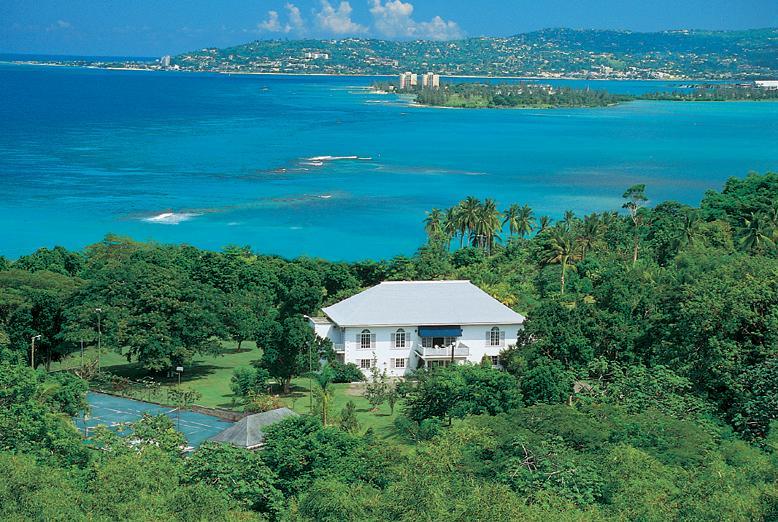 Contemporary 5 Bedroom Villa in Montego Bay - Image 1 - Montego Bay - rentals