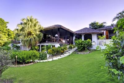 3 Bedroom Beachfront Villa in Mustique - Image 1 - Mustique - rentals