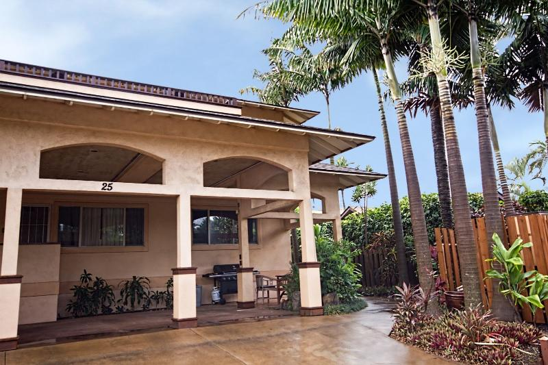 Kaiholo Hale - Boutique Inn - Kaiholo Hale - Orchid Suite hotel style accommodation - Paia - rentals