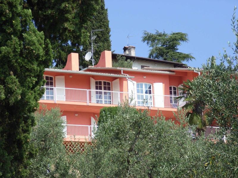 8 bedroom Villa in San Felice del Benaco, Lombardy, Italy : ref 2135405 - Image 1 - San Felice del Benaco - rentals