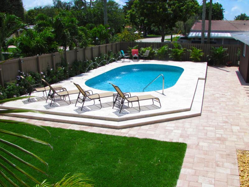 Welcome to Fort Lauderdale Cove! The pool awaits you! - FT LAUDERDALE COVE!  YOUR OWN SUNNY 5-STAR RESORT! - Fort Lauderdale - rentals