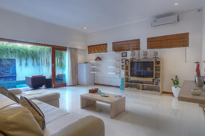 1 Bedroom Treasure of Batubelig - Image 1 - Seminyak - rentals