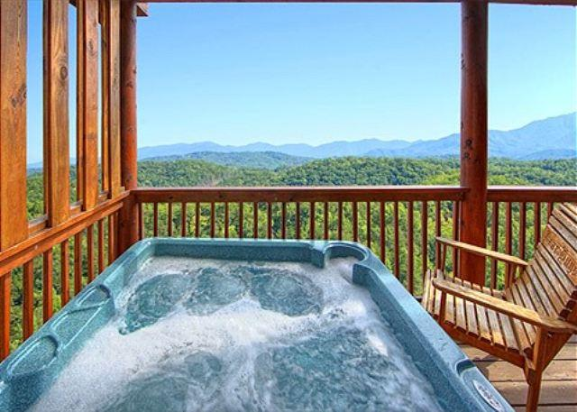 Hot Tub w/ Nice View of 3 Mountain Ranges - AUGUST SPECIAL from $229! Luxurious Cabin w/ Views & Hot Tub! Sleeps 16. - Pigeon Forge - rentals