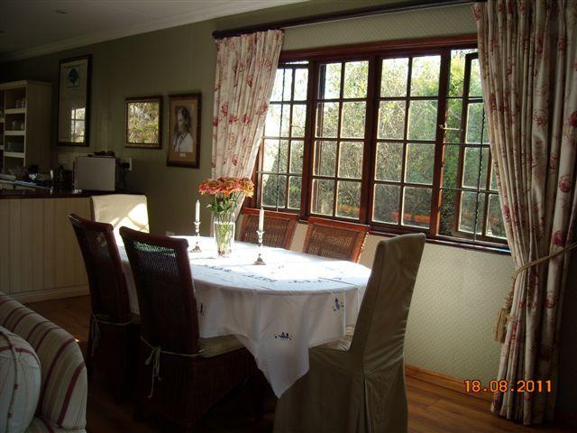Dining room - Lambourn's self catering cottage in Kaapsehoop - Kaapsehoop - rentals