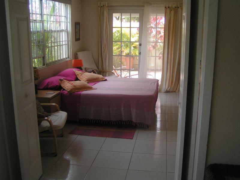 bedroom - Rose Garden Apartment 1 - Hastings - rentals