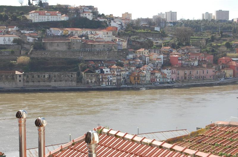 TOP FLAT - Amazing River Views - SUITE - Image 1 - Porto - rentals