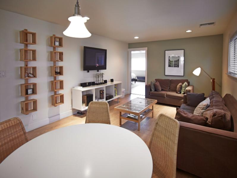 Steps to sand, 2 bedroom 2 bath.. - Image 1 - Venice Beach - rentals