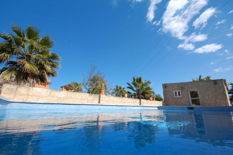 Small finca with pool and private garden - Image 1 - Santa Margalida - rentals