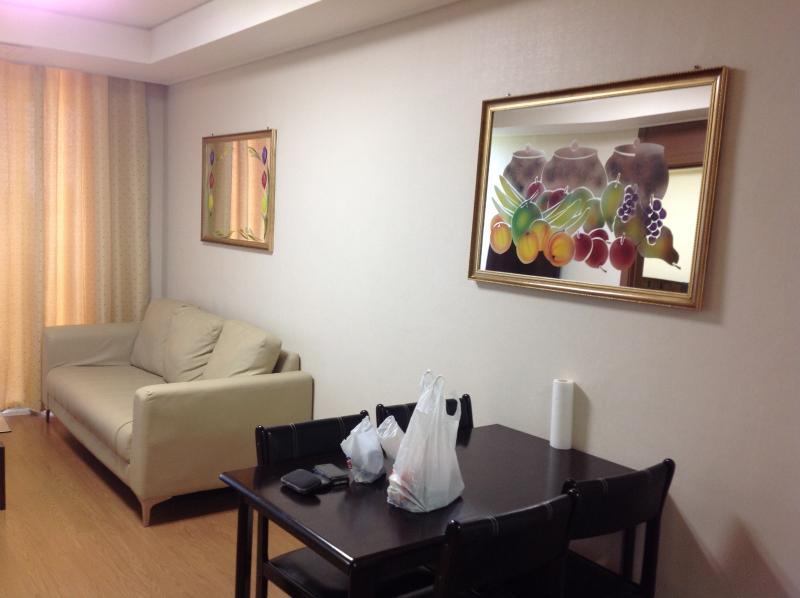 Luxury 1 Bedroom Condo with WIFI - Image 1 - Angeles - rentals