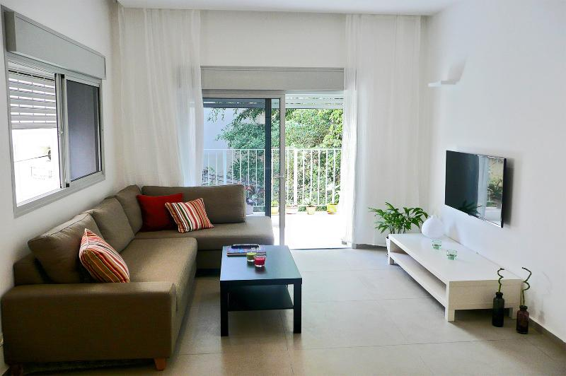 Chic 2BR Central Apt - Near Beach - Image 1 - Tel Aviv - rentals