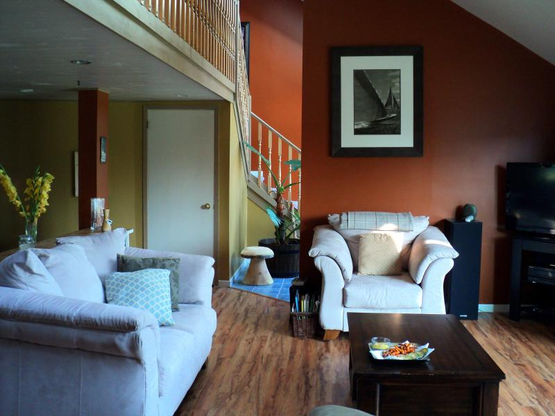 Living room - Cozy White Point Vacation House - Hunt's Point - rentals