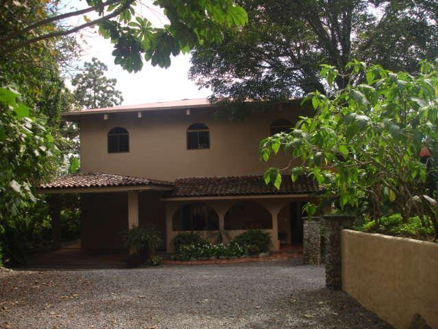 Entrance to the Hacienda - The Hacienda - Boquete - rentals
