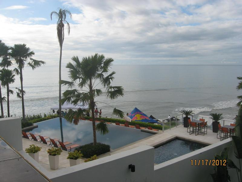 Overlooking pools onto Pacific - Oceanfront 2BR Condo1st Fl Pool  gated community - San Carlos - rentals