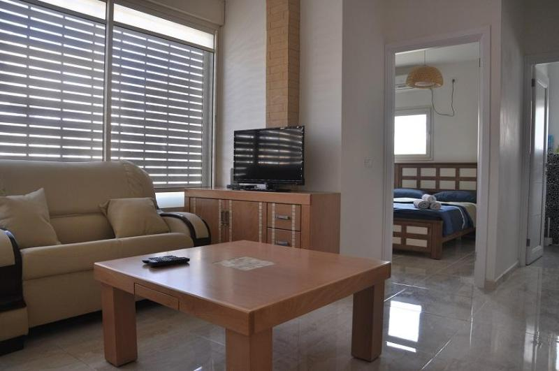 one bedroom apartment in great location in Bat Yam - Image 1 - Gedera - rentals