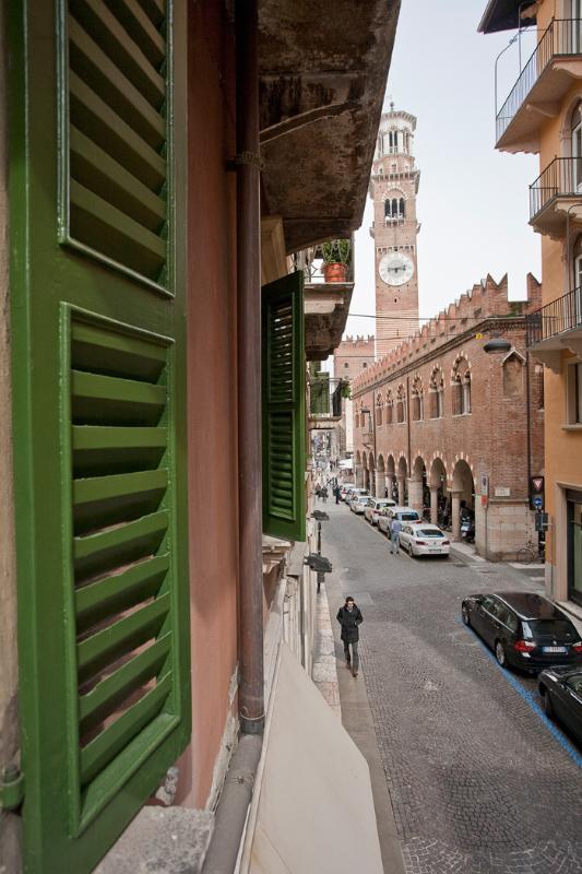 RESIDENZA PIAZZA ERBE, VIA PELLICCIAI, VERONA - Image 1 - Verona - rentals