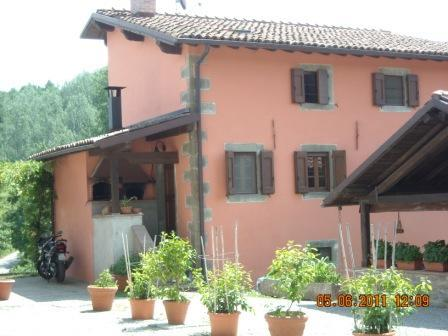 Eco-Friendly Farmhouse with horses P1 - Image 1 - Castiglione Di Garfagnana - rentals
