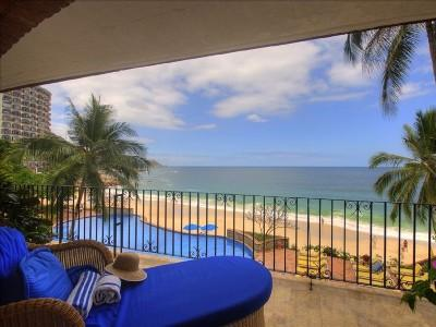 """Welcome to your place in the sun, a beachfront """"Paradise Found""""... - Playa Gemelas Beach Front - Puerto Vallarta - rentals"""