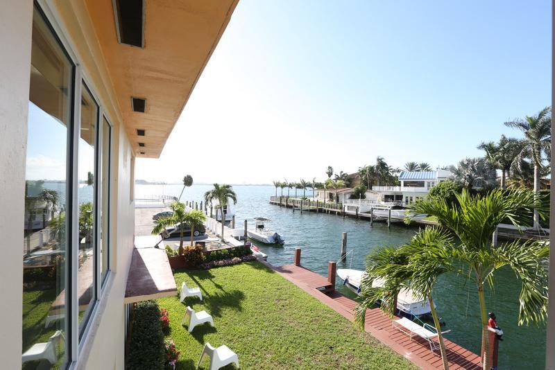 Bayshore Club Apt. 7 - Image 1 - Coconut Grove - rentals