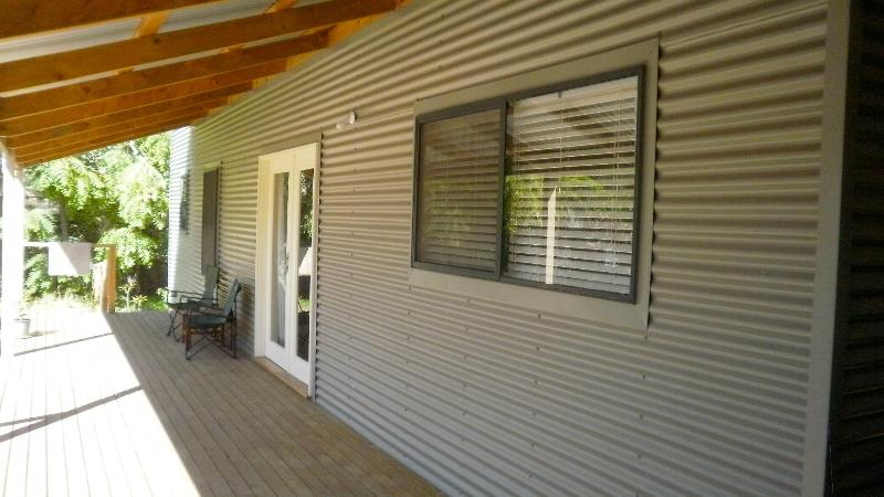 outside and deck area - Adelaide, gorgeous beach cottage at Semaphore - Semaphore - rentals