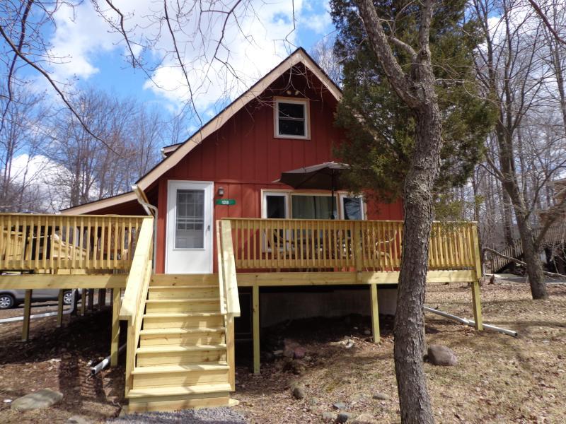 Island Pool House 128 Canoe Trail - Arrowhead Lake Island Pool House - Pocono Lake - rentals