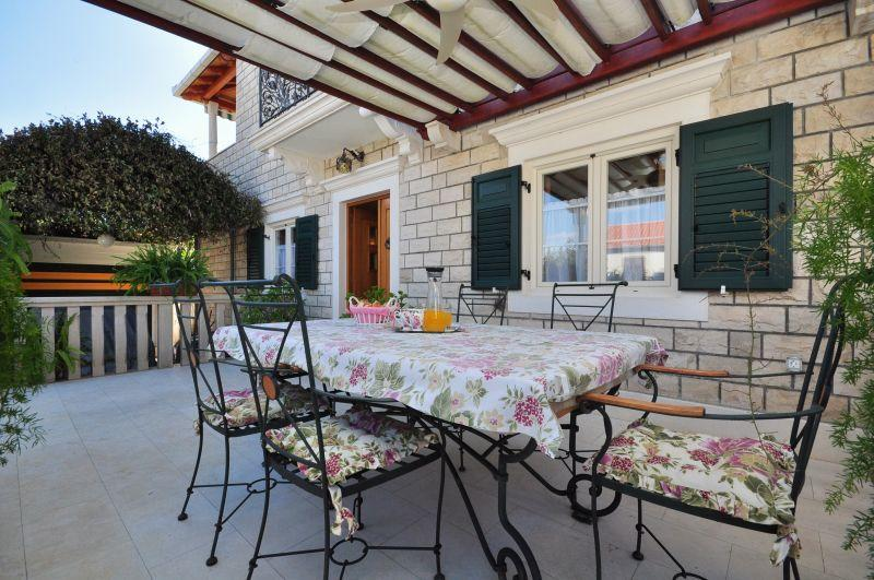 Villa Camellia****  apartment / adults only - Image 1 - Supetar - rentals