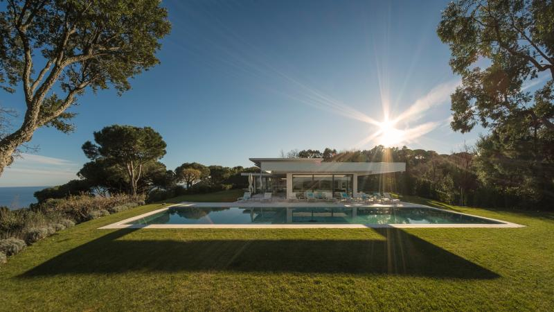 Architect Villa in Saint-Tropez - 8 bedrooms - Image 1 - Saint-Tropez - rentals