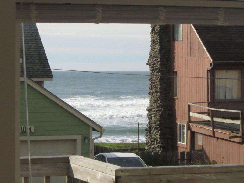 Anchor View - Upper Level - Living Room, photo 6 enhanced - ANCHOR VIEW - Lincoln City - Lincoln City - rentals
