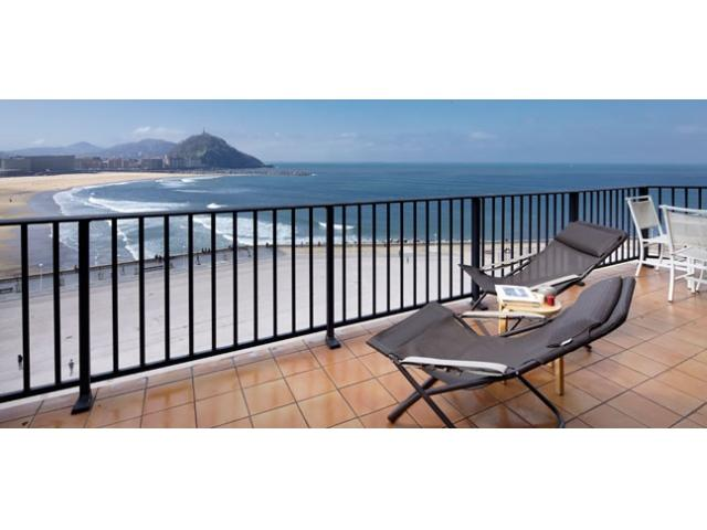 Zurriola Terrace   Terrace & beach front - Image 1 - Zubiri - rentals